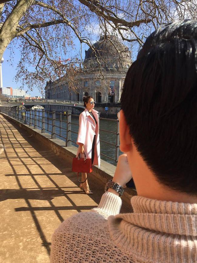 Lộ ảnh Phạm Hương trên đất Mỹ: Gương mặt tròn xoe và vòng 2 nhô cao khác lạ giữa nghi án mang bầu-4