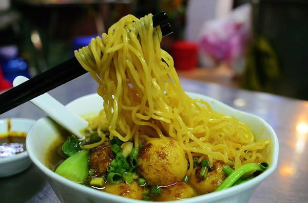 Tiệm mì cá viên cà ri và tiệm hủ tiếu 3 đời của người Hoa ở Sài Gòn-1