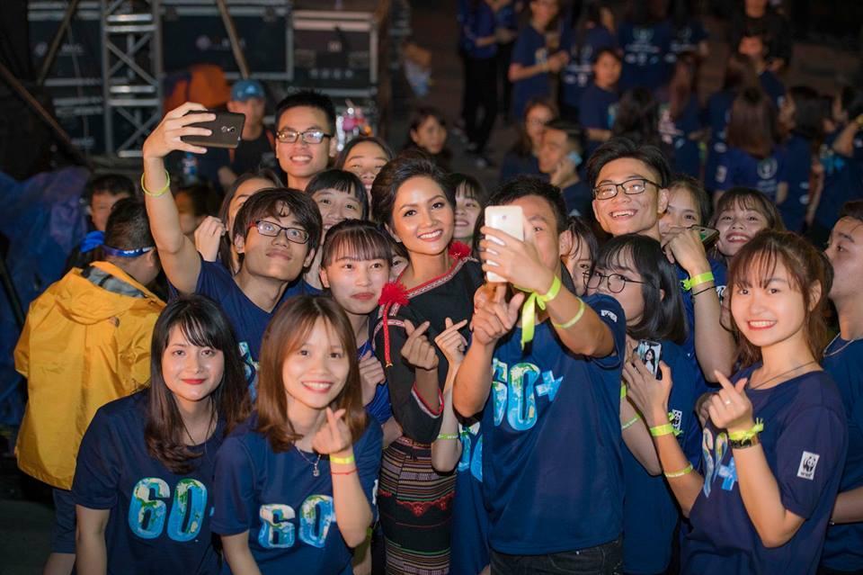 Sau top 5 Miss Universe, fan quốc tế kỳ vọng HHen Niê chinh chiến Miss World vì tin chắc mỹ nhân Ê Đê sẽ đoạt vương miện-5