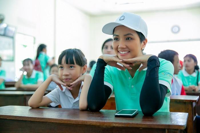 Sau top 5 Miss Universe, fan quốc tế kỳ vọng HHen Niê chinh chiến Miss World vì tin chắc mỹ nhân Ê Đê sẽ đoạt vương miện-9