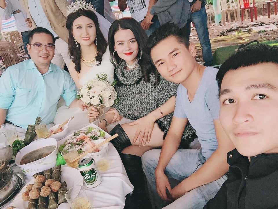 Đội tóc giả nhưng mỹ nhân có mái tóc đẹp nhất Hoa hậu Việt Nam 2014 Nguyễn Thị Hà vẫn rạng rỡ trong ngày đại hỉ-5
