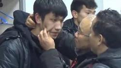Thầy Park Hang Seo tiết lộ bất ngờ về hành động ôm hôn, véo má các tuyển thủ Việt Nam