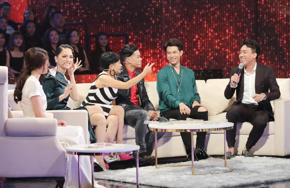 Trấn Thành, Hương Giang đánh hội đồng người yêu Diệu Nhi ngay trên sóng truyền hình-2
