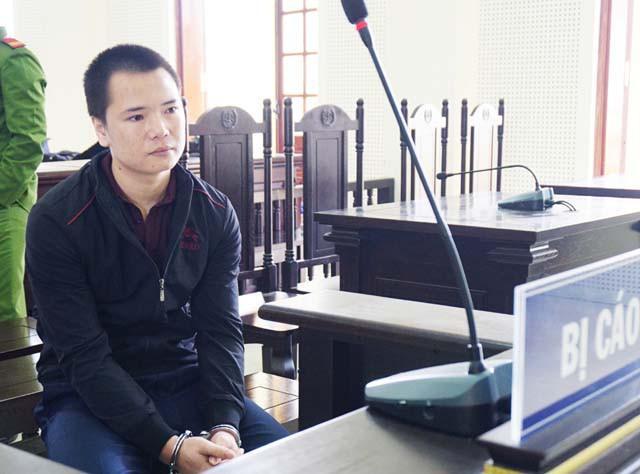 Tăng án phạt cho nam thanh niên giết người vì bị rọi đèn pha vào mặt-1