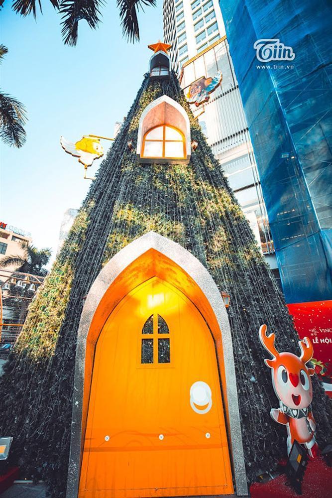 Những địa điểm check-in Noel không thể bỏ qua ở Hà Nội-11