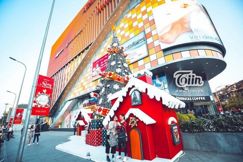 Những địa điểm check-in Noel không thể bỏ qua ở Hà Nội-3