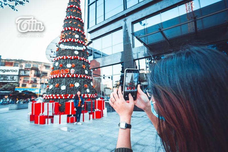 Những địa điểm check-in Noel không thể bỏ qua ở Hà Nội-5