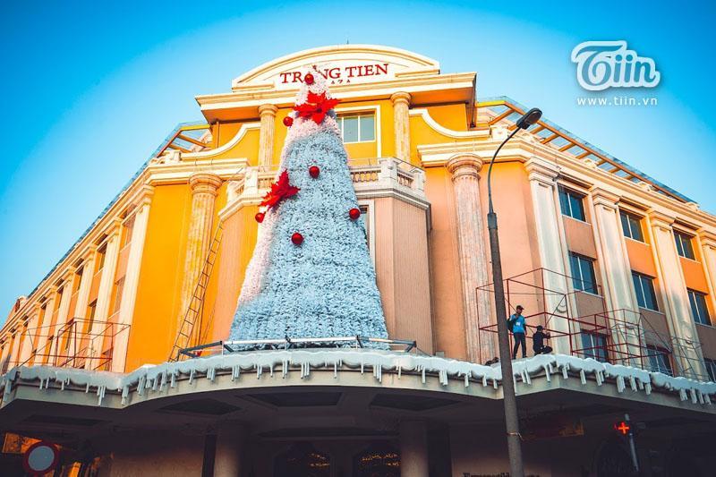 Những địa điểm check-in Noel không thể bỏ qua ở Hà Nội-8