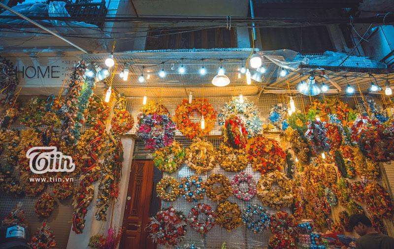 Những địa điểm check-in Noel không thể bỏ qua ở Hà Nội-19