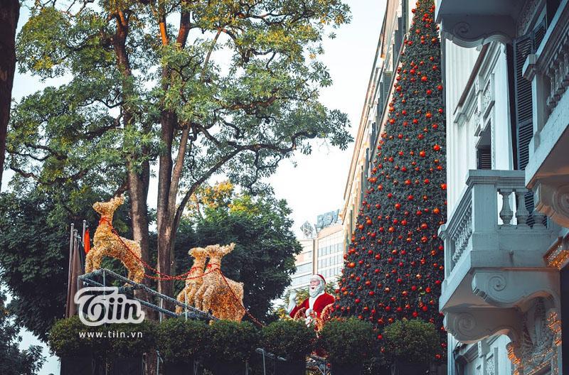Những địa điểm check-in Noel không thể bỏ qua ở Hà Nội-23