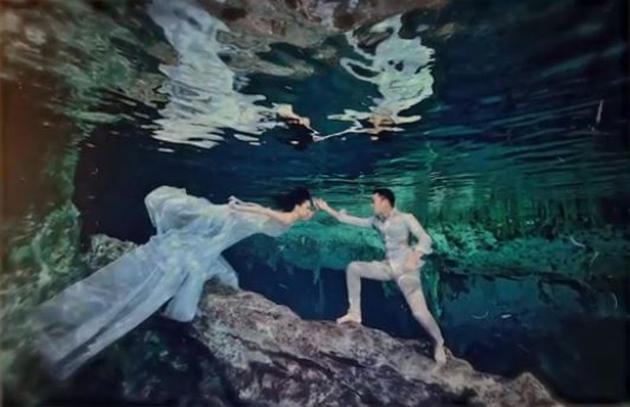 Chung Hân Đồng tiết lộ bộ ảnh cưới chụp dưới nước đẹp như mỹ nhân ngư hiếm ai sánh bằng-4