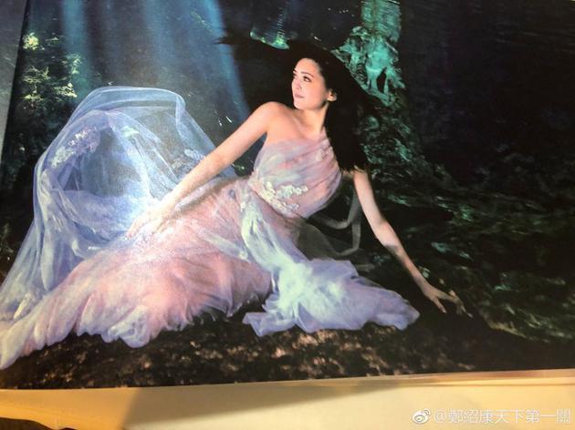 Chung Hân Đồng tiết lộ bộ ảnh cưới chụp dưới nước đẹp như mỹ nhân ngư hiếm ai sánh bằng-5