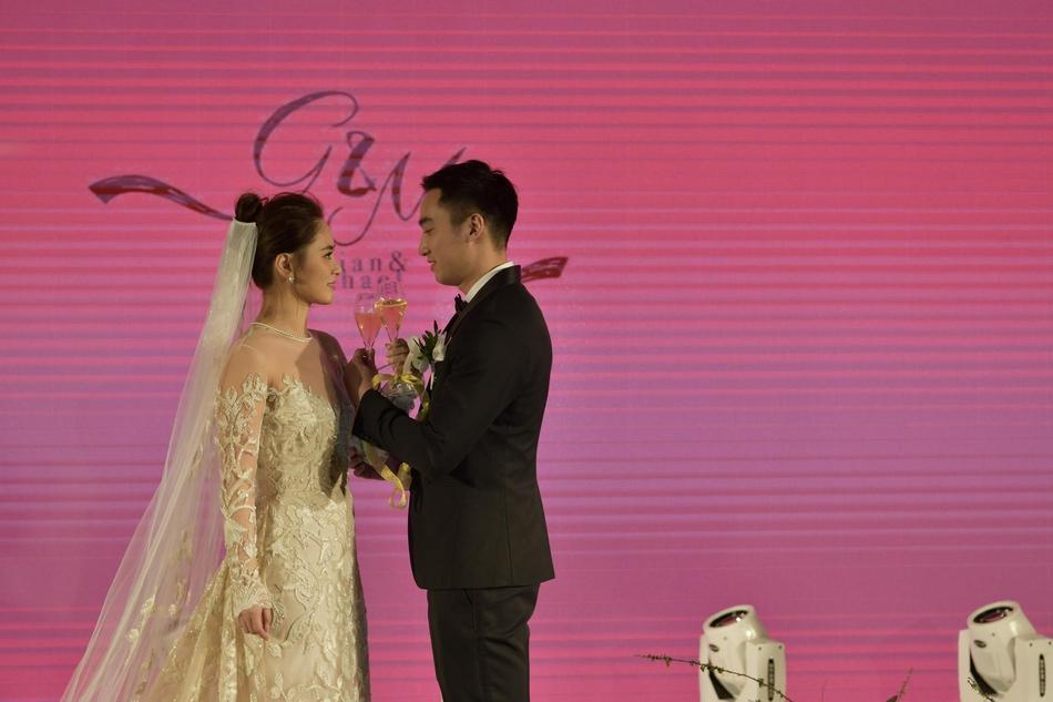 Chung Hân Đồng tiết lộ bộ ảnh cưới chụp dưới nước đẹp như mỹ nhân ngư hiếm ai sánh bằng-6
