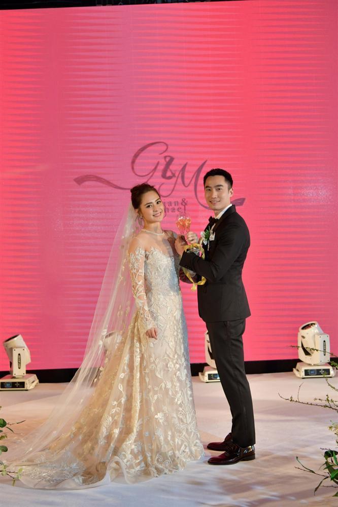 Chung Hân Đồng tiết lộ bộ ảnh cưới chụp dưới nước đẹp như mỹ nhân ngư hiếm ai sánh bằng-7