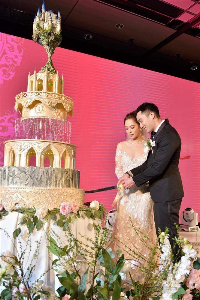 Chung Hân Đồng tiết lộ bộ ảnh cưới chụp dưới nước đẹp như mỹ nhân ngư hiếm ai sánh bằng-8