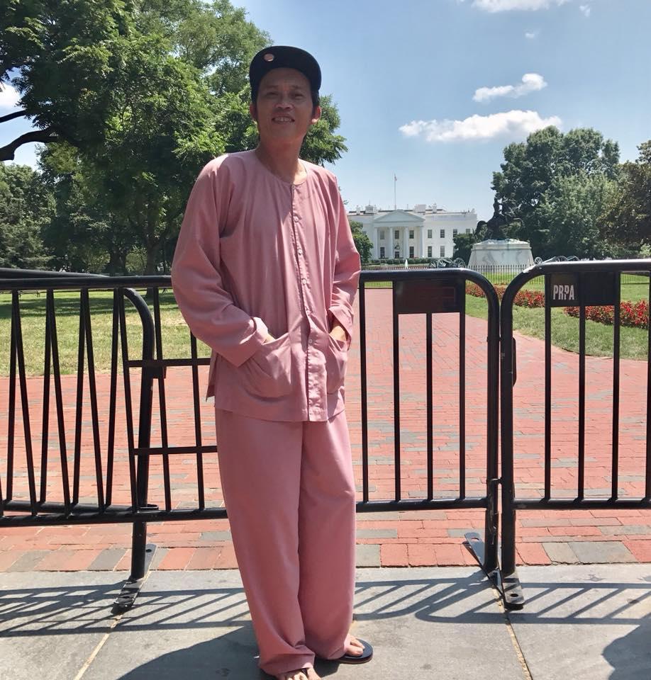 Danh hài Hoài Linh lần đầu tiên công khai khoe con trai ruột bảnh bao, tốt nghiệp Đại học danh tiếng ở Mỹ-1
