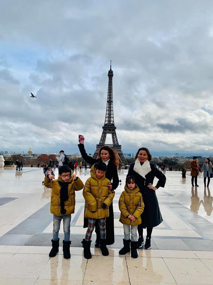 Hồ Ngọc Hà đưa gia đình xuất ngoại tới quê hương người tình Kim Lý đón Noel-4