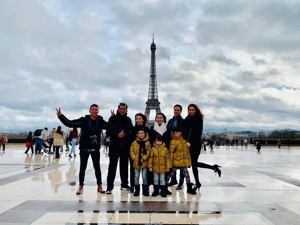 Hồ Ngọc Hà đưa gia đình xuất ngoại tới quê hương người tình Kim Lý đón Noel-2