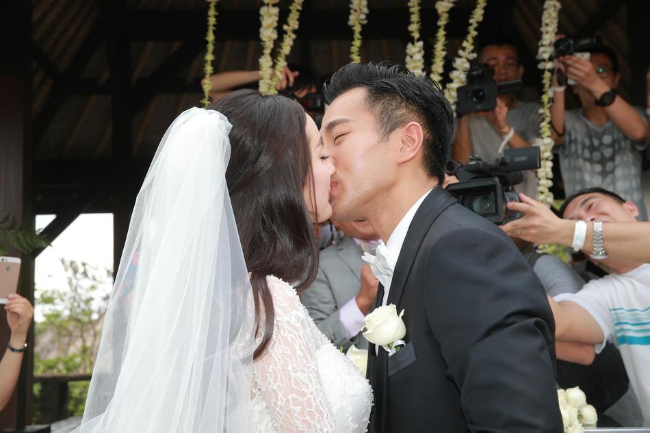 Dương Mịch - Lưu Khải Uy: Hôn nhân lung lay gốc rễ đã báo trước cái kết không có hậu-5
