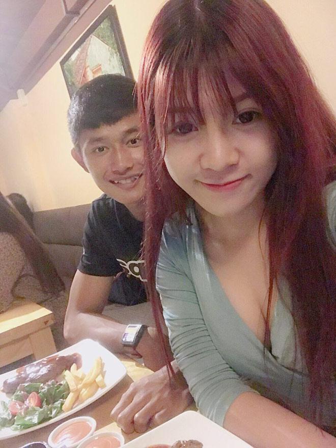 BẤT NGỜ KHÔNG: Trước khi yêu Lâm Tây, bạn gái hiện tại của anh chàng từng hẹn hò một thủ môn kém 6 tuổi-5