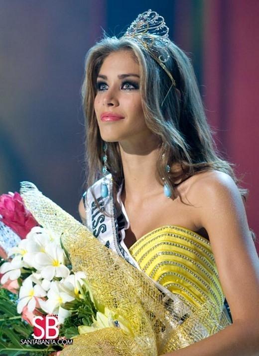 Đoạn trường 1 thập kỷ Hoa hậu Hoàn vũ: Chưa nhan sắc nào hạ nổi đại mỹ nhân đăng quang trên đất Việt-2