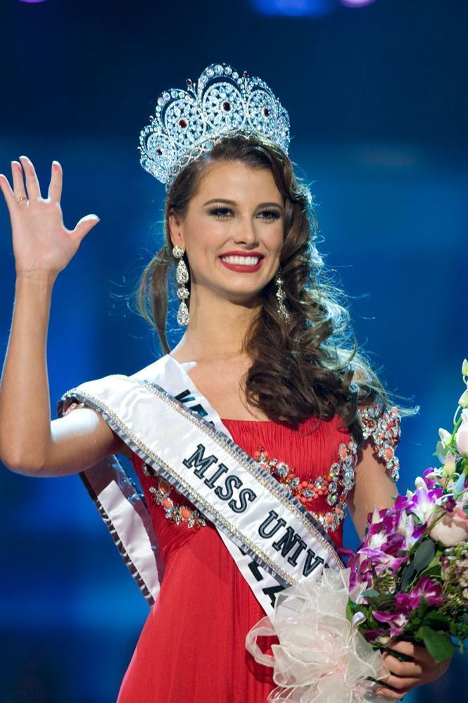 Đoạn trường 1 thập kỷ Hoa hậu Hoàn vũ: Chưa nhan sắc nào hạ nổi đại mỹ nhân đăng quang trên đất Việt-6