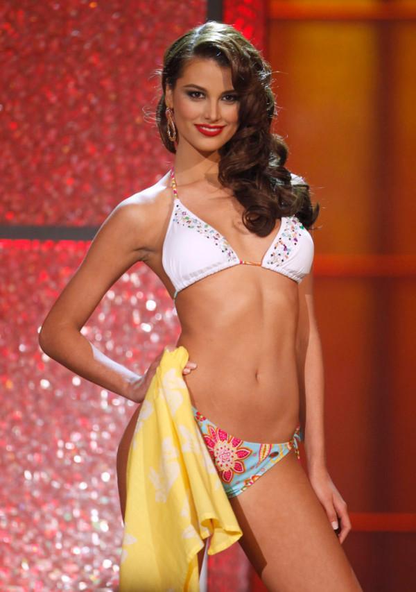 Đoạn trường 1 thập kỷ Hoa hậu Hoàn vũ: Chưa nhan sắc nào hạ nổi đại mỹ nhân đăng quang trên đất Việt-7