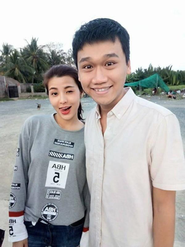 Nữ MC bị chỉ trích kém duyên vì liên tục làm dàn cầu thủ sượng mặt tại Quả Bóng Vàng 2018 hóa ra là bạn gái cũ Mr Cần Trô-7