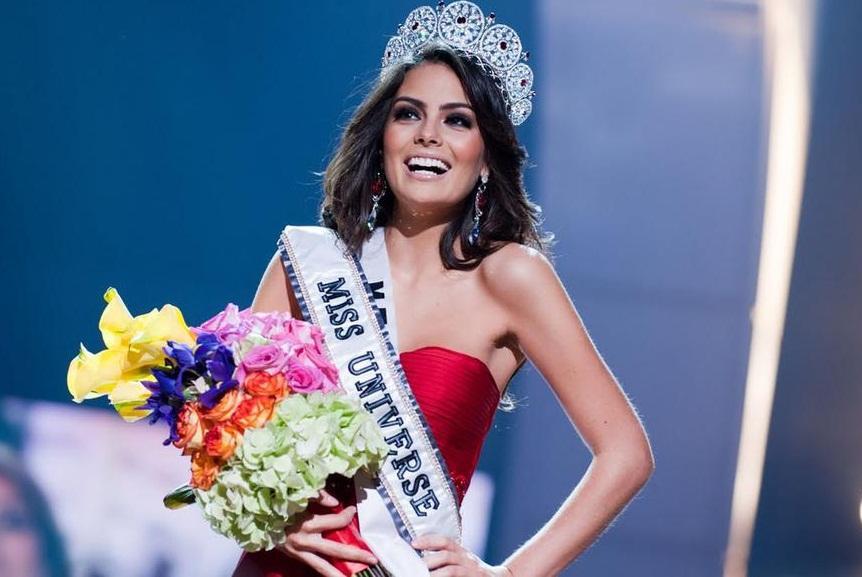 Đoạn trường 1 thập kỷ Hoa hậu Hoàn vũ: Chưa nhan sắc nào hạ nổi đại mỹ nhân đăng quang trên đất Việt-8