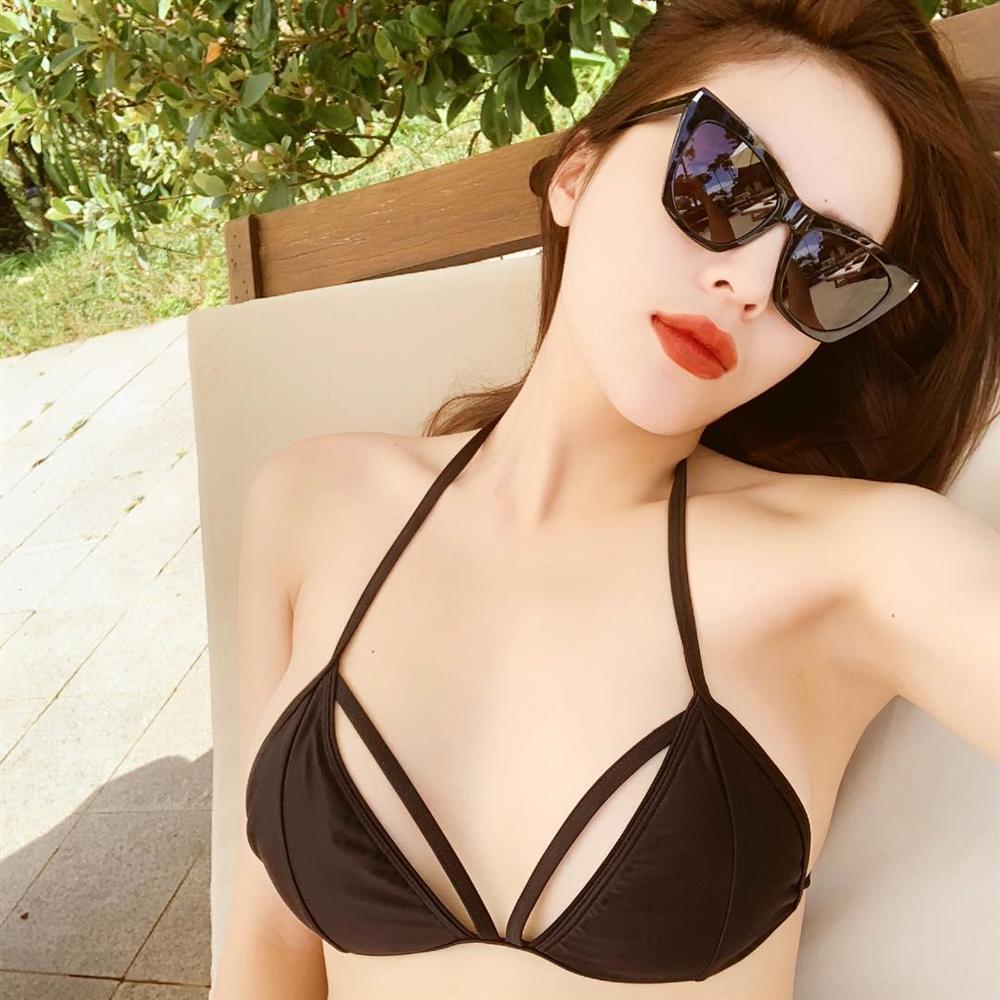Phô diễn hình thể với bikini, Hoa hậu Kỳ Duyên để lộ vòng 1 teo tóp không nóng bỏng như trước-3