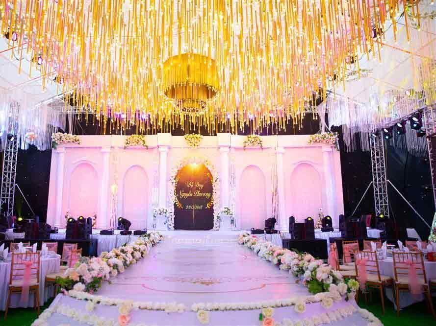 Thêm một siêu đám cưới tiền tỷ ở Hưng Yên: Rạp cưới rộng 3.000m2, mời cả DJ - ca sĩ nổi tiếng về biểu diễn-2