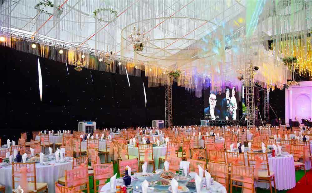Thêm một siêu đám cưới tiền tỷ ở Hưng Yên: Rạp cưới rộng 3.000m2, mời cả DJ - ca sĩ nổi tiếng về biểu diễn-3