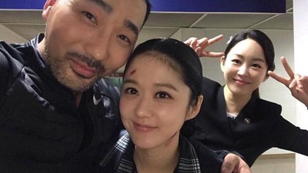 Goo Hye Sun - Ahn Jae Hyun đăng ảnh đáng yêu, Jang Nara - Park Shin Hye khoe tạo hình mới trong phim-5