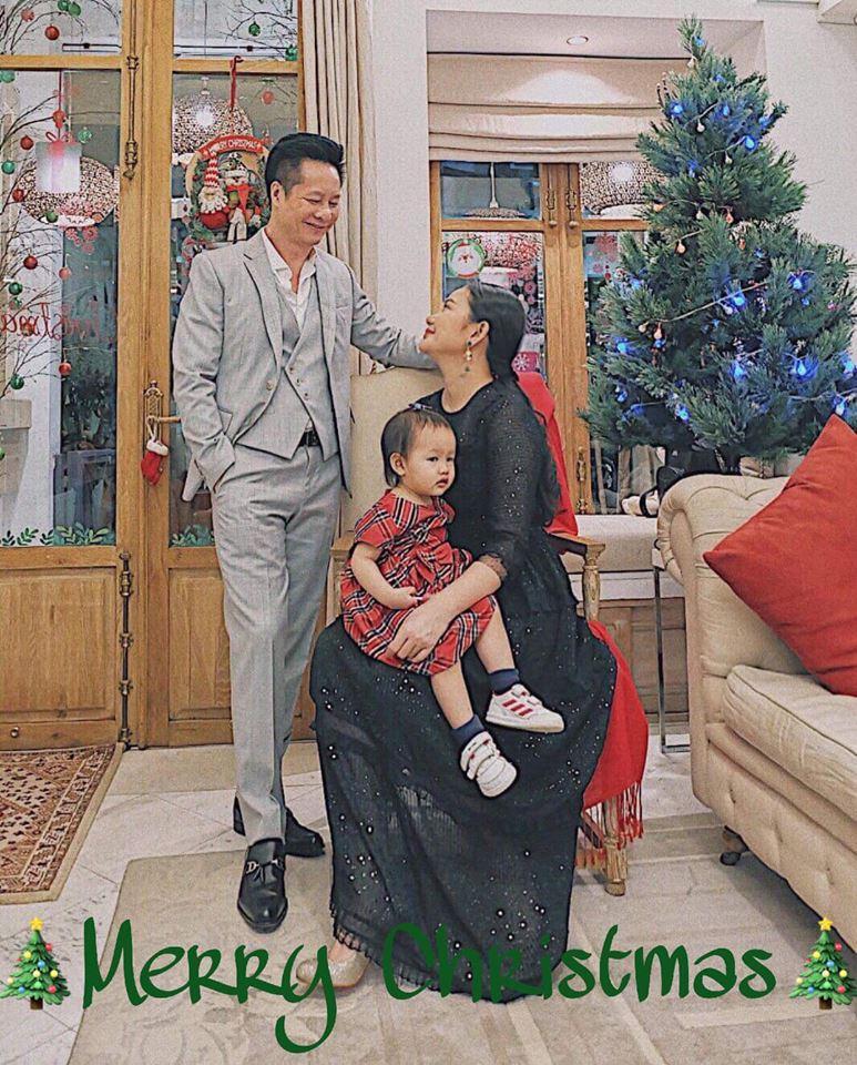 Đón Giáng sinh trong cơ ngơi triệu đô, Phan Như Thảo xúc động: Ông xã là món quà vĩ đại nhất trên đời-5