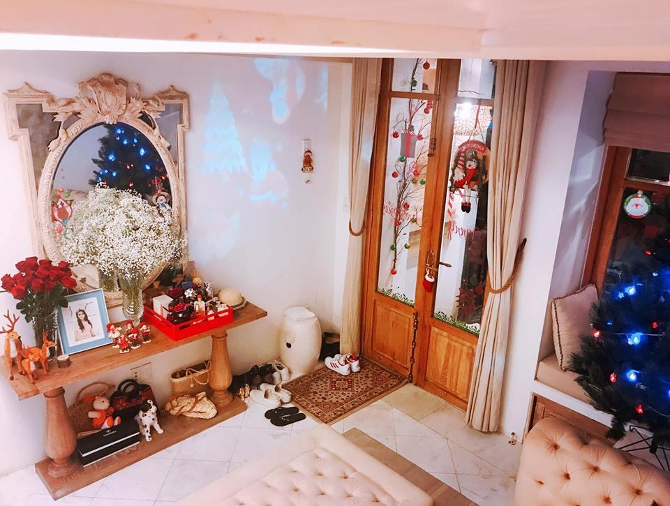 Đón Giáng sinh trong cơ ngơi triệu đô, Phan Như Thảo xúc động: Ông xã là món quà vĩ đại nhất trên đời-7