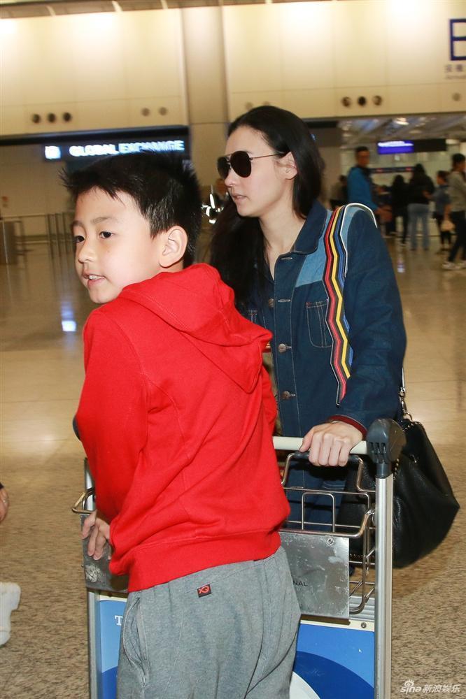 Rộ tin Tạ Đình Phong chia tay Vương Phi, quay lại với vợ cũ sau khi biết Trương Bá Chi sinh con thứ 3-1