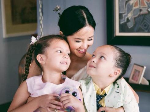 Diva Hồng Nhung sống hạnh phúc bên các con sau 1 năm ly hôn chồng ngoại quốc-1