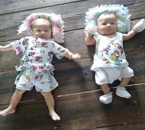 Bất ngờ ngoại hình giống như hai giọt nước của 2 bé trai - con cặp anh em song sinh lấy chị em sinh đôi ở Cà Mau-5