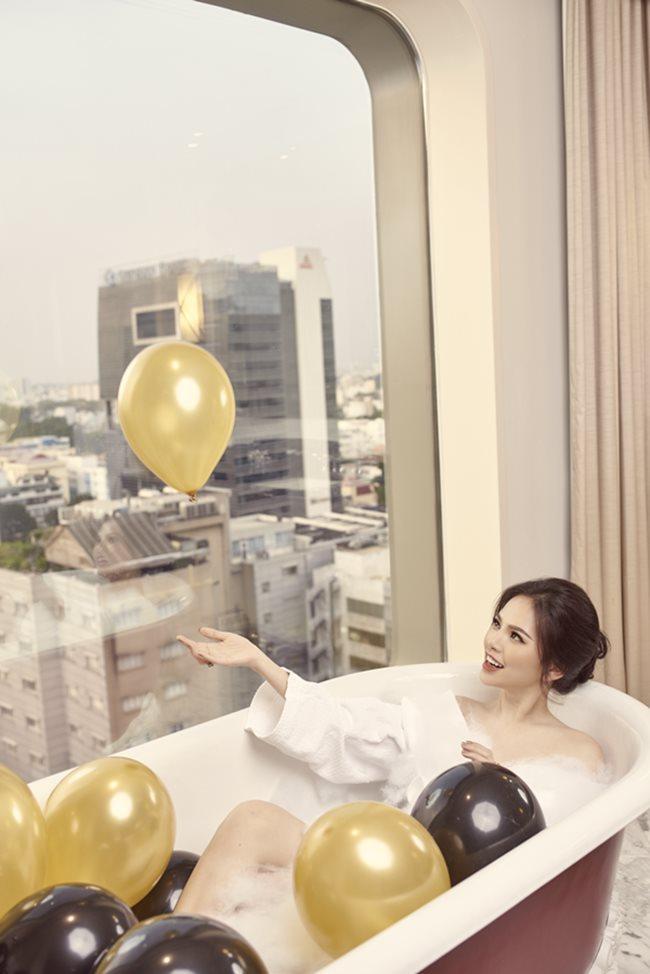 Thánh nữ Phi Huyền Trang vừa tái xuất sau bạo bệnh đã sexy nhất Noel 2018-8