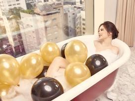 'Thánh nữ' Phi Huyền Trang vừa tái xuất sau bạo bệnh đã sexy nhất Noel 2018