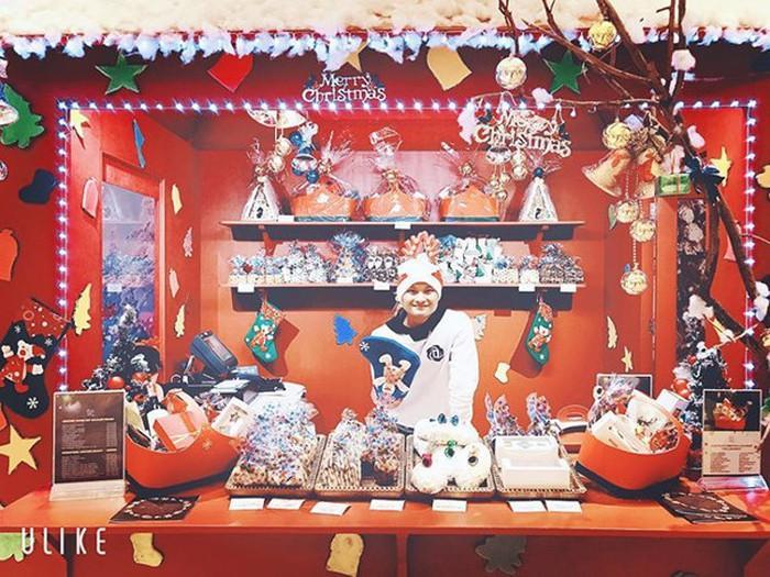Giáng sinh muôn màu của các cầu thủ: Lâm Tây đẹp trai nhất hội, Đức Chinh lại vui vẻ cùng bạn mới-8