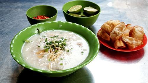 Xe cháo vỉa hè, quán mì gốc Hoa có thâm niên lâu năm ở Sài Gòn-1