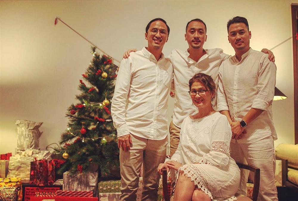 Cũng là mừng Giáng sinh thôi mà đại gia đình nhà chồng Tăng Thanh Hà khiến ai cũng phải ngước nhìn-7
