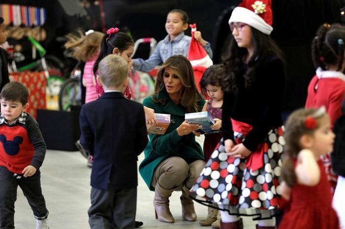 Không khí đón Giáng sinh 2018 trên thế giới-3