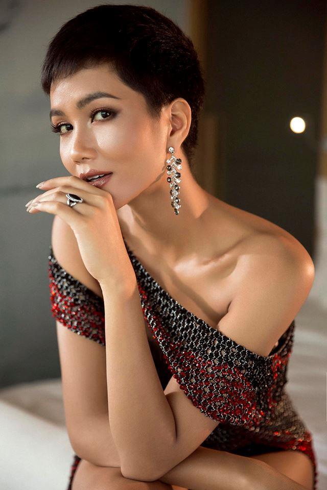 Vì sao HHen Niê hiếm khi tô son đỏ tại Hoa hậu Hoàn vũ 2018?-1