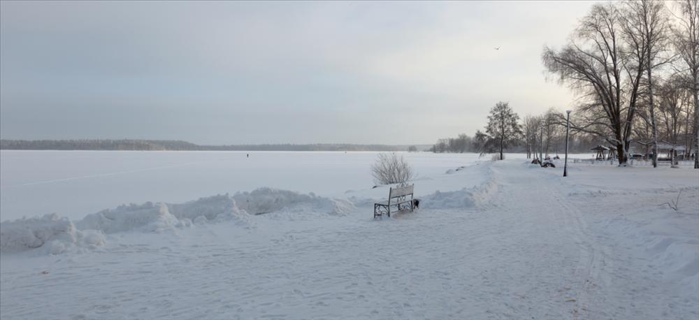 Hàng nghìn hoa băng hiếm gặp xuất hiện trên hồ nước ngọt-4