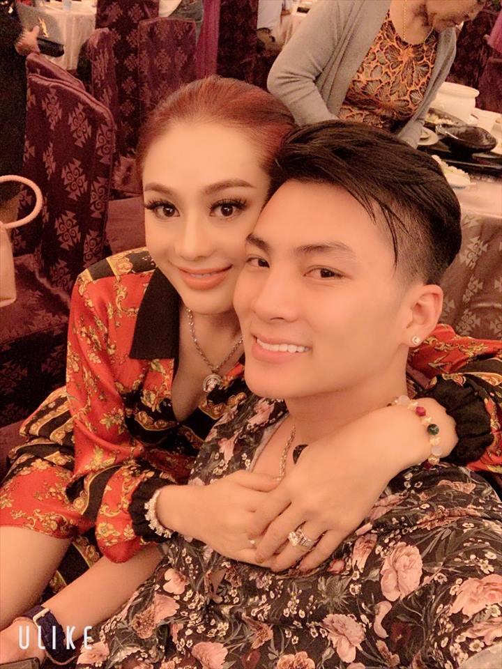 Đám cưới lỗ chổng vó, Lâm Khánh Chi vẫn chơi lớn mời 300 khách dự tiệc mừng 1 năm lấy chồng-1