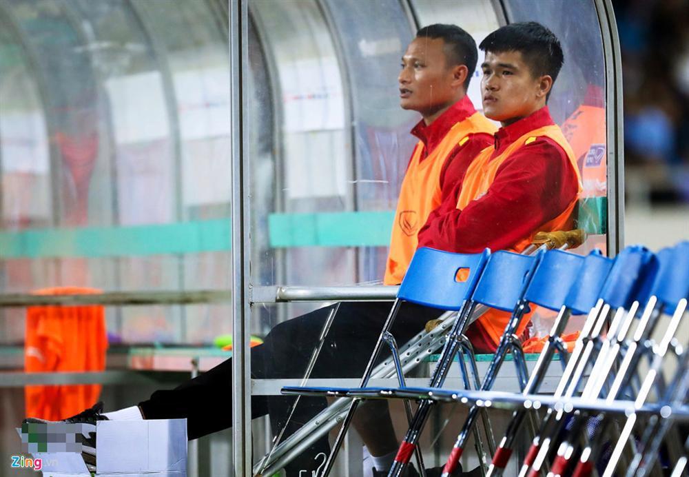 Lục Xuân Hưng phải nói lời chia tay Asian Cup 2019 và phản ứng bất ngờ của thủ môn Bùi Tiến Dũng-2