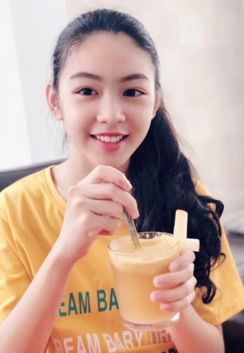 Mới 13 tuổi, con gái MC Quyền Linh được dự đoán sẽ trở thành Hoa hậu vì quá xinh đẹp-2