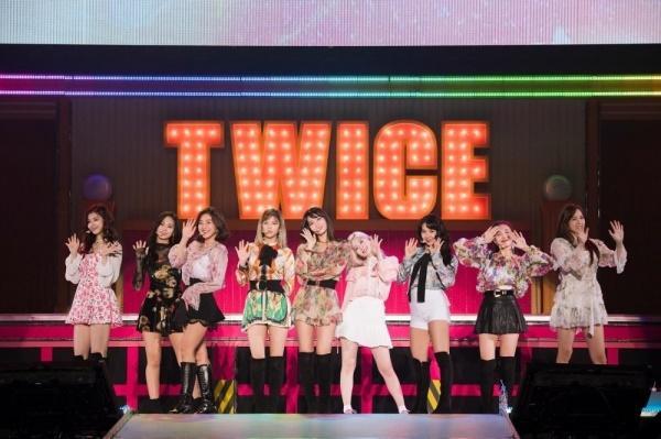 Cần hiểu cho đúng: Black Pink và TWICE, nhóm nữ nào đem concert vào dome Nhật Bản nhanh nhất?-2